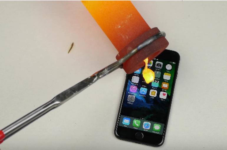 Δείτε τι γίνεται εάν πέσει  λιωμένος χρυσός πάνω στο I-Phone 7!