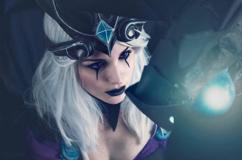 Ravenborn Leblanc cosplay απο την Maru Chan!